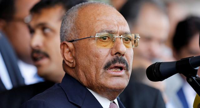 شاهد بالصورة.. أهم وأغلى مقتنيات الرئيس (علي عبدالله صالح) العسكرية بعد أن نهبها الحوثيون