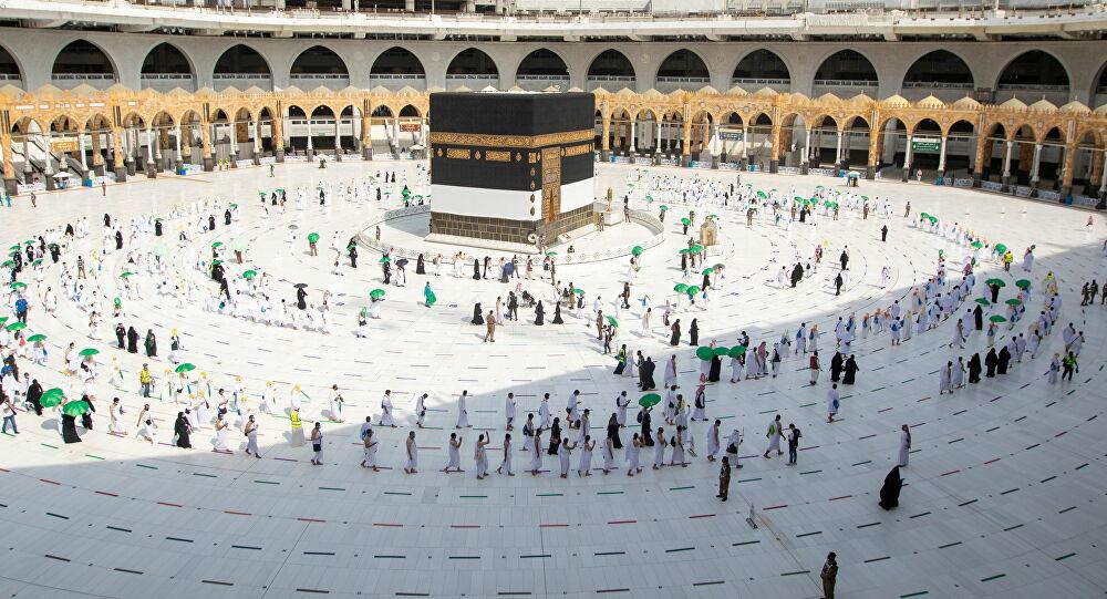 السعودية تعلن موعد استقبال المعتمرين والمصلين في المسجد الحرام